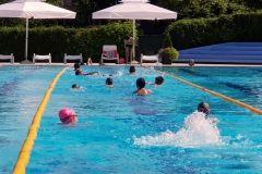 Gradonačelnik Grada Bjelovara posjetio je Gradske bazene Bjelovar, na kojima je kupališna sezona ove godine otvorena u novome ruhu. Radovi su izvedeni u roku, a u sufinanciranju je pomoglo i Ministarstvo regionalnoga razvoja i fondova Europske unije na čiji se natječaj Grad Bjelovar i javio. // 12. srpnja 2018. FOTO: Grad Bjelovar https://www.bjelovar.hr/