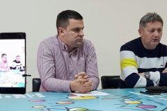 Na konferenciji za novinare gradonačelnik Grada Bjelovara Dario Hrebak i predsjednik udruge Bjelovart Tihomir Vondra najavili su Božićni Gala Koncert 2018. u Bjelovaru / 11. prosinca 2018., mala vijećnica Grada Bjelovara FOTO: Grad Bjelovar https://www.bjelovar.hr/