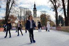 Bjelovarsko klizalište 2018. je otvoreno! ❄️❄️❄️☃️🔔🔔 15. studenog 2018. FOTO: Grad Bjelovar https://www.bjelovar.hr/