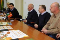 """Dugogodišnja dobra suradnja Grada Bjelovara s Pčelarskom udrugom """"Bilogora"""" Bjelovar bila je povod konferenciji za novinare održanoj u utorak 6. veljače u maloj gradskoj vijećnici."""