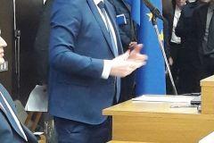 Gradonačelnik Dario Hrebak je u četvrtak, 8. veljače 2018., u Zagrebu u Ministarstvu mora, prometa i infrastrukture potpisao Ugovor o financiranju Mjera 7 Temeljne usluge i obnova sela u ruralnim područjima iz Programa ruralnog razvoja Republike Hrvatske. Tim Ugovorom Grad je dobio više od 5 milijuna kuna za cestu u Starim Plavnicama.