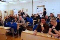 Gradonačelnik Grada Bjelovara Dario Hrebak potpisao Ugovore o financiranju jednogodišnjih programa i projekata udruga Grada Bjelovara za 2018. godinu, 12. travnja 2018., velika vijećnica Grada Bjelovara https://www.bjelovar.hr/