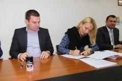 U prostorijama Gradske uprave Grada Bjelovara u srijedu, 20. prosinca 2017., potpisan je Ugovor o suradnji između svih gradova naše županije i Večernjeg lista.