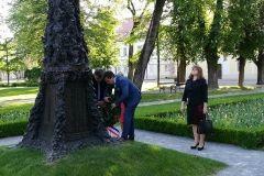 Obilježena 23. godišnjica VRO Bljesak, 1. svibnja 2018., ispred spomenika bjelovarskim braniteljima u središnjem gradskom parku FOTO: Grad Bjelovar https://www.bjelovar.hr