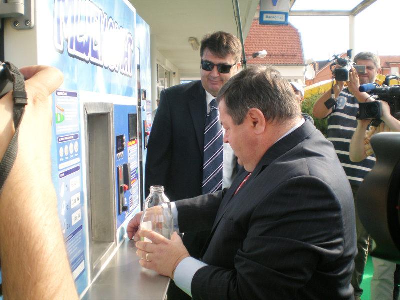 Otvoren prvi mljekomat u Bjelovaru