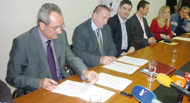 Gradonačelnik potpisao ugovore o subvencioniranju uređenja fasada i stolarije