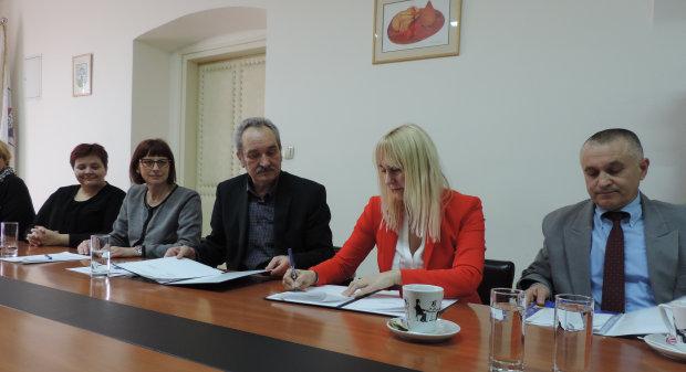 Grad Bjelovar s Poljoprivrednim institutom Osijek potpisao sporazum o istraživačkom projektu, 11. ožujka 2016., mala vijećnica Grada Bjelovara FOTO: Dubravka Dragičević www.bjelovar.hr