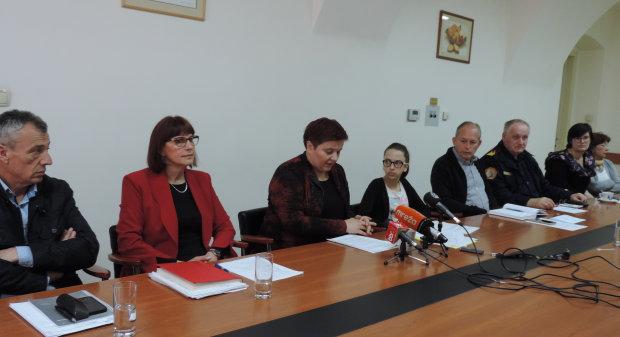 Na konferenciji za novinare Najavljena akcija Zelena čistka 2016., 15. travnja 2016., mala vijećnica Grada Bjelovara FOTO: Dubravka Dragičević www.bjelovar.hr