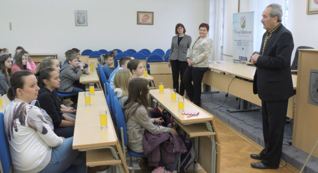 Osnovnoškolci bjelovarske 2. osnovne škole i Osnovne škole Rovišće, 2. i 3. svibnja 2016., organizirali su posjetu Gradu Bjelovaru u sklopu svog nastavnog programa FOTO: Kristina Turković www.bjelovar.hr