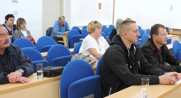 Grad Bjelovar s udrugama potpisao ugovore o financiranju, 11. svibnja 2016., velika vijećnica Grada Bjelovara FOTO: Dubravka Dragičević www.bjelovar.hr