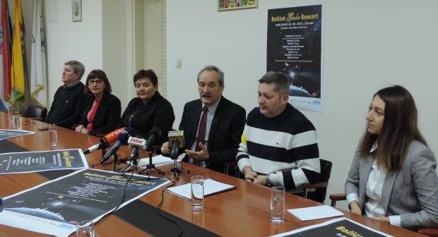 Na tiskovnoj konferenciji najavljen Božićni Gala Koncert 2016., mala vijećnica Grada Bjelovara FOTO: Dubravka Dragičević www.bjelovar.hr