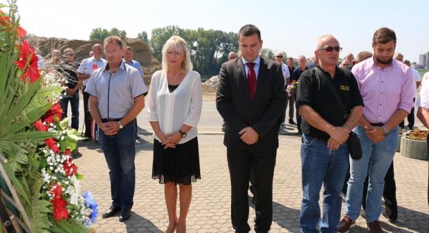 Komemoracija u Slavonskom Brodu za bjelovarske branitelje, 18. kolovoza 2017. FOTO: Grad Slavonski Brod