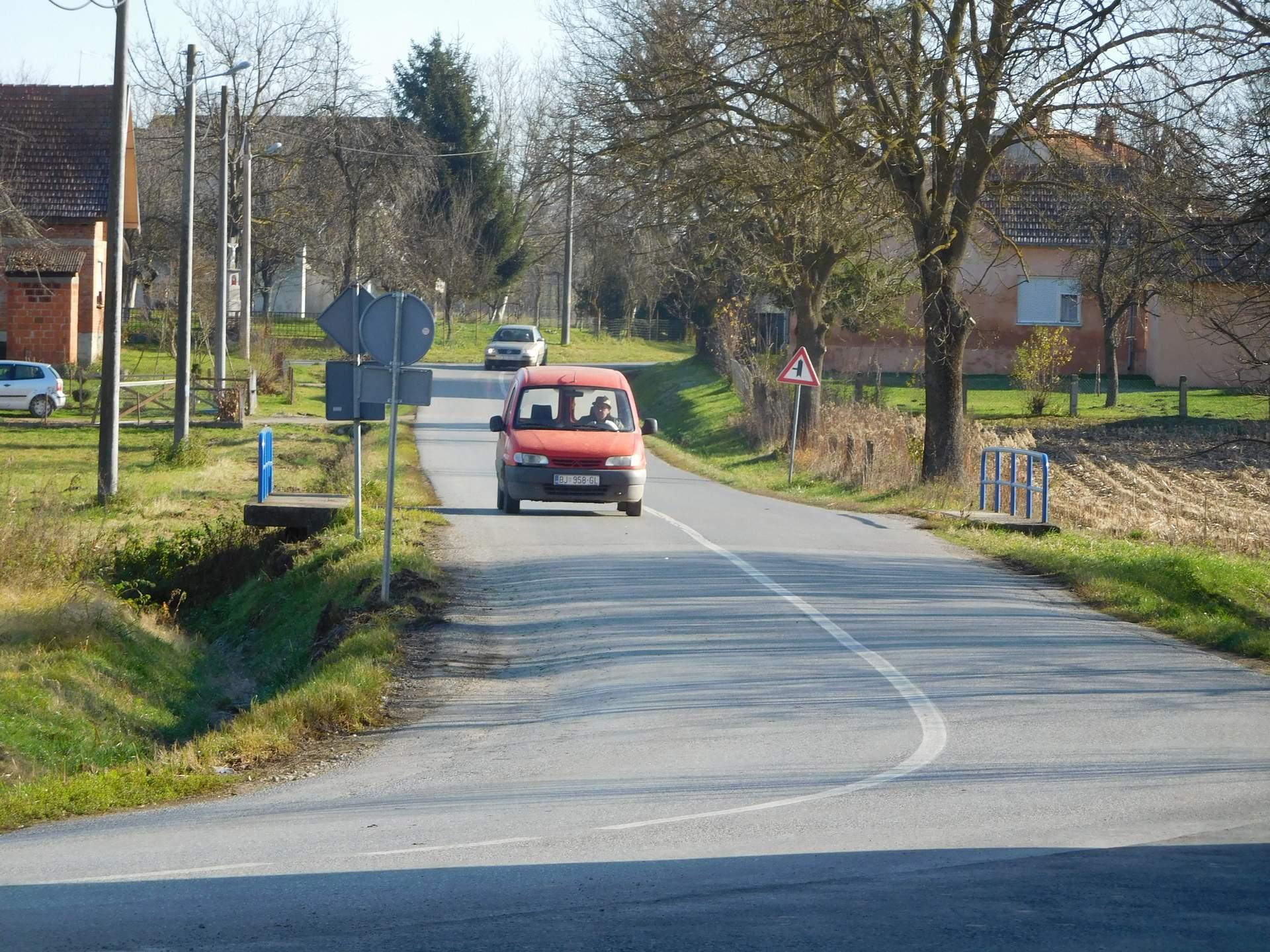 Gradonačelnik posjetio Galovac povodom završetka obnove ceste duge 1450 metara, 28. studenoga 2017. FOTO: Grad Bjelovar www.bjelovar.hr